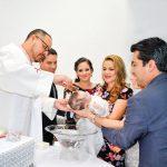 Es bañada con agua bendita Rosalina Cruz Villarreal