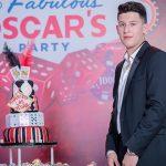 Cumpleaños al estilo Las Vegas para Óscar