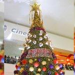 Paseo Los Mochis enciende su árbol navideño