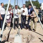 El gobernador del estado coloca la primera  piedra de lo que será el nuevo Hospital Pediátrico