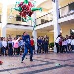 Universidad de San Miguel celebra a sus alumnos del centro cultural de idiomas con divertida posada