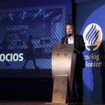"""""""Hacia el futuro: tendencias y retos de los negocios"""" por Héctor Orrantia Coppel"""