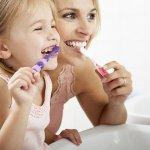 ¿Cómo debo cuidar la salud oral de mi hijo pequeño?