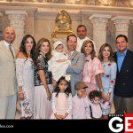 Papás y padrinos de Divana en su bautizo