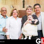 El pequeñito junto a sus abuelitos