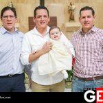 Jorge Avilés, César y Sergio Cárdenas junto a sobrino