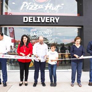 Pizza Hut más fuerte que nunca inaugura su nueva sucursal