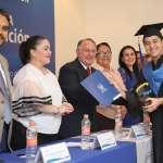 Se gradúa primera generación de preparatoria San Miguel